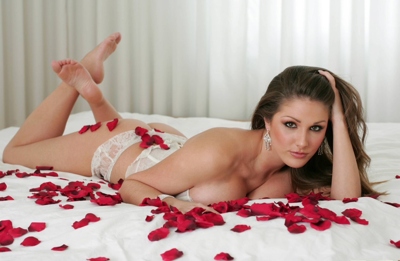 Mini mya nude pics